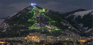 7 of the world's most spectacular Christmas trees
