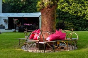 6 ways to keep guests cool at sizzling summer parties