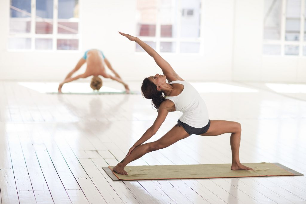 This image has an empty alt attribute; its file name is yoga-2959226_1920-1024x682.jpg