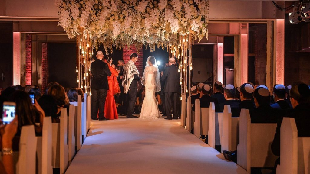luxury weddings and celebrity wedding days arranged by TLC LTD Taylor Lynn Corporation