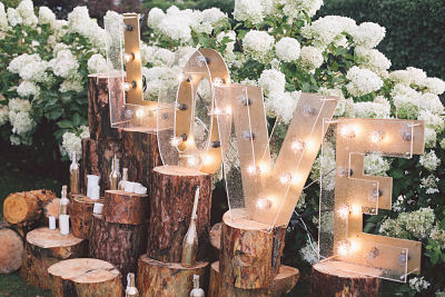 The Dos and Don'ts of Engagement Parties